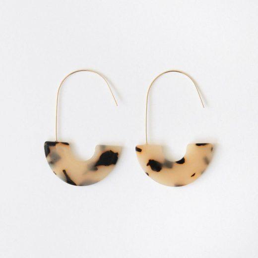 light tortoiseshell half hoop earrings da6084 2 1280x1280 Copy